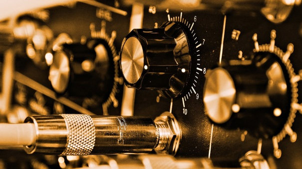 wire_jack_regulators_scale_sound_music_hd-wallpaper-421579.jpg
